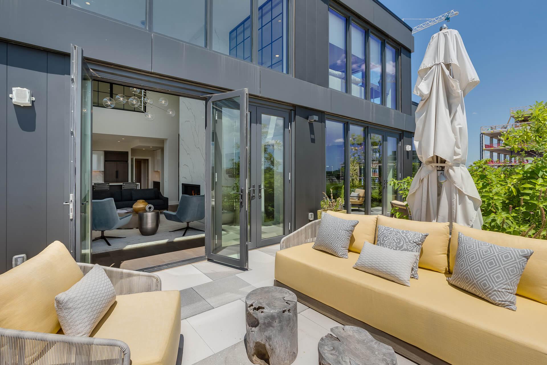 penthouse terrace lounge